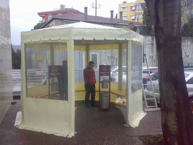 Şeffaf Kış bahçesi cafe sigara içme odaları